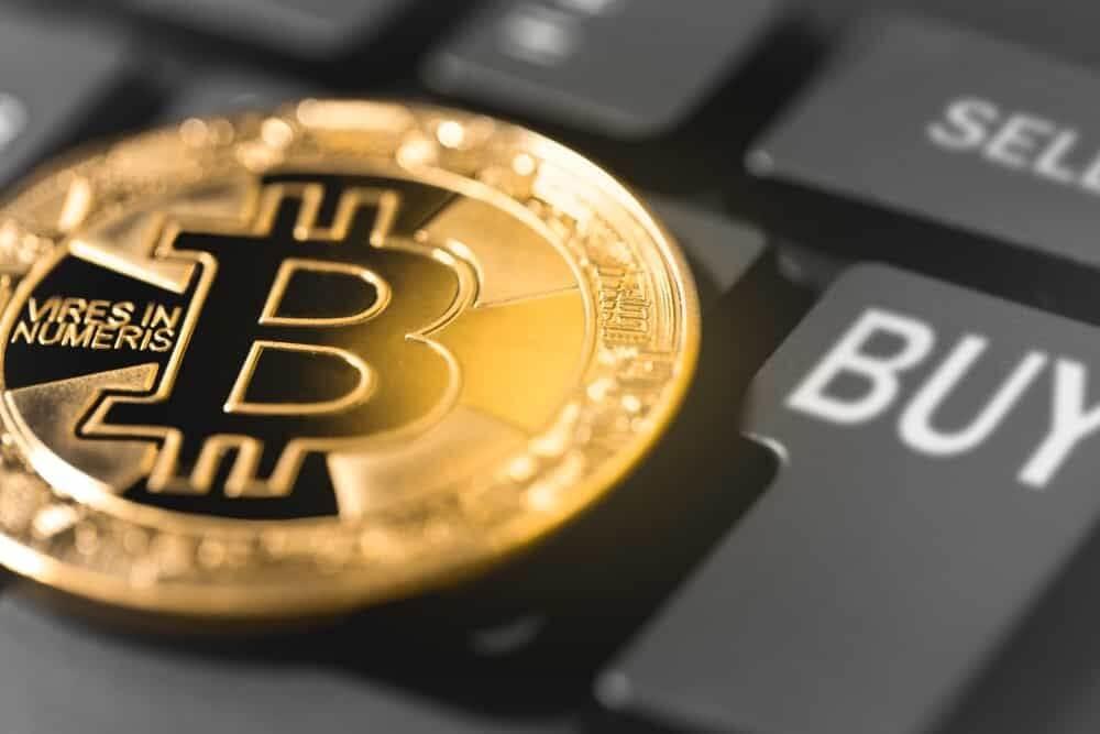 como mich você deve investir em bitcoin