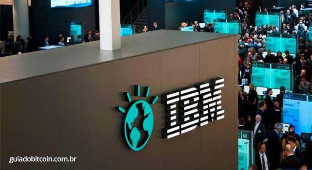 painel com logo da IBM