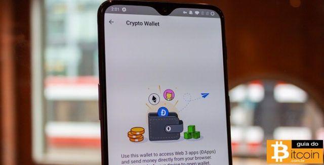 tela do samsung s10 com a imagem de uma carteira de criptomoedas